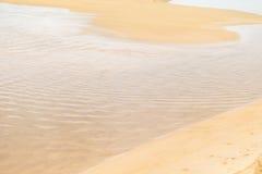 Onda e sabbia calme Fotografia Stock Libera da Diritti