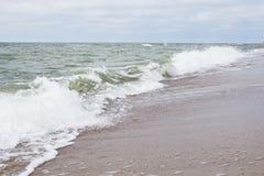 Onda hermosa en la playa Fotografía de archivo libre de regalías