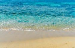 Onda macia do oceano em Sandy Sea Beach foto de stock royalty free
