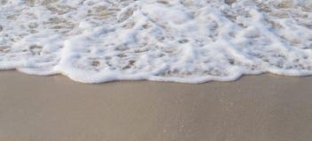 Onda no fundo da costa Foto de Stock
