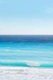 Onda, oceano e cielo della spiaggia caraibica Fotografia Stock