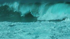 Onda stabilita di closeout della baia di Waimea del mostro immagini stock
