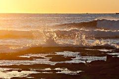 Ondas 2 do nascer do sol Fotos de Stock Royalty Free