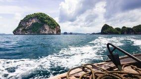 Ondas atrás de um barco Foto de Stock Royalty Free