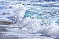 Ondas azules del mar Fotos de archivo