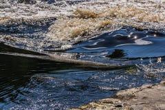Ondas da cor e redemoinhos do rio Fotos de Stock