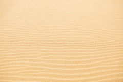 Ondas de areia na praia Imagens de Stock Royalty Free