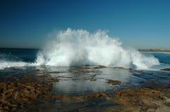 Ondas de océano que causan un crash Imágenes de archivo libres de regalías