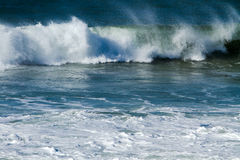 Ondas de océano y resaca. fotografía de archivo