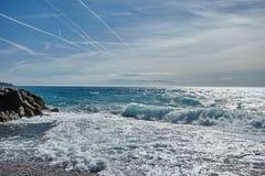 Ondas del mar de Mediterranian imagenes de archivo