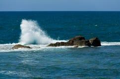 Ondas del mar Mediterráneo Foto de archivo libre de regalías