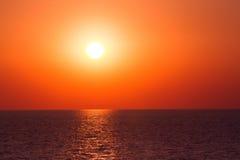 Ondas do mar do por do sol Fotos de Stock