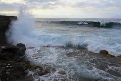 Ondas em Tenerife bajamar Imagens de Stock Royalty Free