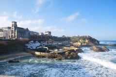 Ondas en el puerto de Biarritz Imágenes de archivo libres de regalías