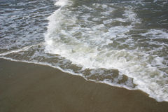 Ondas en la playa Imagen de archivo