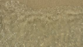 Ondas en la playa almacen de metraje de vídeo