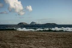 ondas en la playa de Ipanema Fotografía de archivo libre de regalías