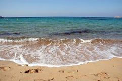 Ondas en una playa Imagen de archivo libre de regalías