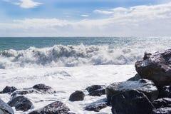 Ondas grandes del mar Foto de archivo libre de regalías