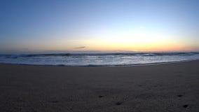Ondas grandes del Océano Índico metrajes