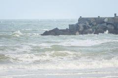 Ondas grandes en el mar, el Mar del Norte en el movimiento fotos de archivo libres de regalías
