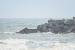 Ondas grandes en el mar, el Mar del Norte en el movimiento imagenes de archivo