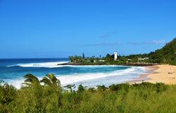 Ondas grandes en la bahía de Waimea, Oahu, Hawaii, los E.E.U.U. imagen de archivo