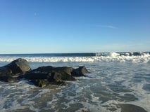 Ondas grandes en la playa de Lido, Long Island Imagen de archivo libre de regalías