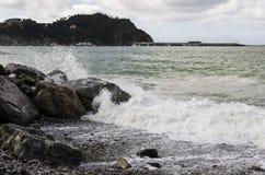 Ondas no mar, mar tormentoso Fotos de Stock Royalty Free