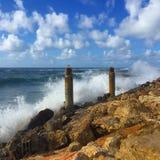 Ondas preciosas en la playa Fotos de archivo libres de regalías