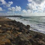 Ondas preciosas en la playa Foto de archivo libre de regalías