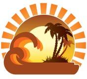 Ondas, puesta del sol, isla tropical Fotos de archivo