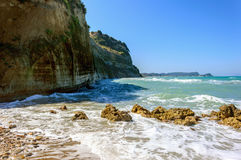 Ondas que batem a praia Foto de Stock Royalty Free