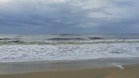 Ondas que deixam de funcionar em um Sandy Beach filme