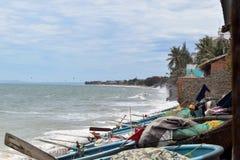Ondas que lavan la orilla de Phan Thiet imágenes de archivo libres de regalías