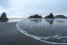 Ondas que se acercan, Harris Beach fotografía de archivo