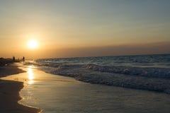 Ondas suaves en la playa imagen de archivo libre de regalías