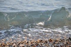 Ondas sujas da praia Imagem de Stock