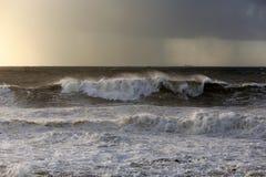 Ondas tormentosos Imagem de Stock
