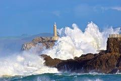 Ondas valientes del mar Imágenes de archivo libres de regalías