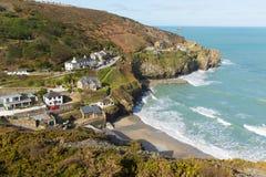 Ondas y playa de Cornualles de St Agnes North Cornwall England Reino Unido fotos de archivo