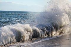 Onde à la mer photo libre de droits
