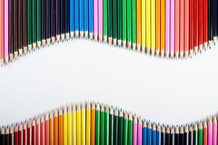 Onde colorée d'abrégé sur crayons Image libre de droits