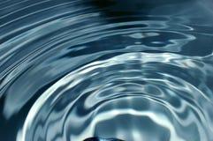 Onde d'eau Photos libres de droits