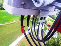Onde d'irradiamento e di radiodiffusione dell'antenna cellulare della rete del segnale fotografia stock libera da diritti