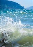 Onde de vague déferlante de mer photographie stock