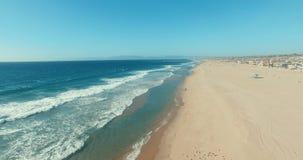 Onde della spiaggia stock footage