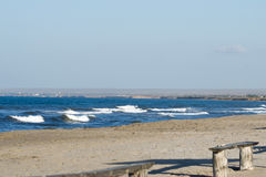 Onde della spiaggia di mattina immagine stock