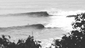Onde di oceano in bianco e nero Fotografia Stock Libera da Diritti