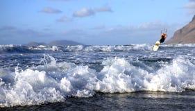 Onde di oceano e Kitesurfer Fotografia Stock
